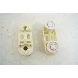 96X0270 BRANDT FAGOR N°25 support roulette pour panier supérieur pour lave vaisselle