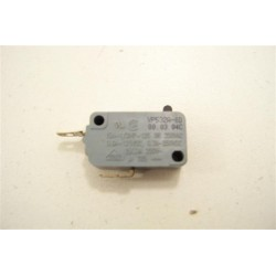 HAIER HR-6756T n°19 Switch VP532A pour four a micro-ondes