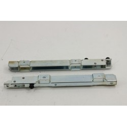 481241719137 WHIRLPOOL AKZ420/WH n°10 guide charnière pour four