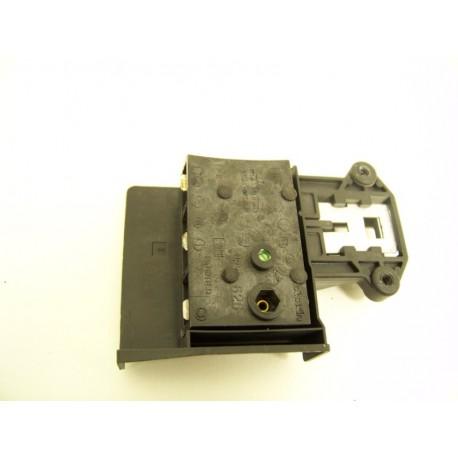 FAURE FWG3126 n°6 sécurité de porte lave linge