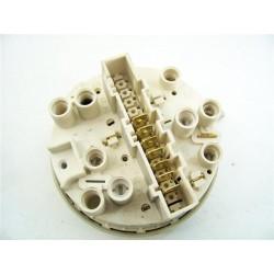 C00031084 INDESIT WGD1033T n°27 pressostat pour lave linge