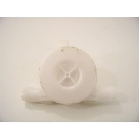 C00094172 ARISTON LV 660ABK n°3 débitmètre lave vaisselle