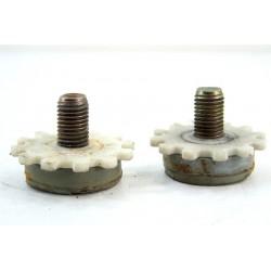 1260417108 AEG LT41352 N° 7 Pied pour lave linge