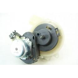 699130557 SMEG LSA6445G n°31 Clapet de distribution d'eau pour lave vaisselle