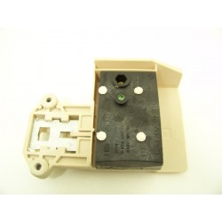 FAURE LFC565 n°11 sécurité de porte lave linge