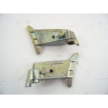 41005452 - 41005451 CANDY CBL120 n°24 Support Charnière de porte lave linge