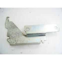 481241718773 WHIRLPOOL ADP9510/BL N°13 Charnière de porte droite pour lave vaisselle