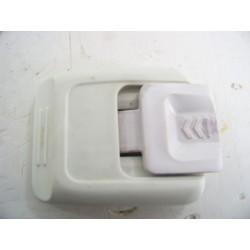 481010572443 INDESIT ITWAC51151WFR n°17 bouton de portillon pour lave linge