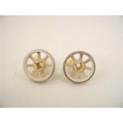 028020 SIEMENS SN25801 n°7 Roulette de panier inférieur pour lave vaisselle