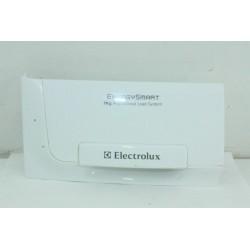 1368054407 ELECTROLUX EDC67550W n°13 Poignée Façade de réservoir d'eau pour sèche linge